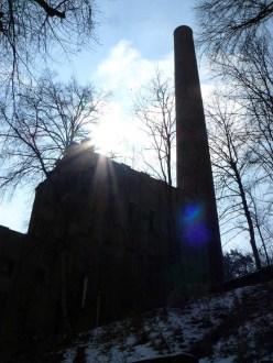 Bonatz' Kraftwerk im Gegenlicht