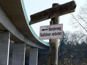 Oft überfahren, jetzt unterwandert: Die B27-Brücke bei Rottweil