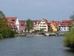 Sommerliche Neckarküste