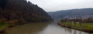 Neckar unter Neckarbrücke bei Neckargerach