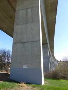 Mühlbachtalbrücke mit elegantem Schwung