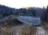 Burgruine Hossingen mit erstaunlich gut erhaltener Gitterbrücke