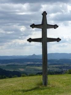Hohenzollernweg: Blick auf den Namensgeber oberhalb des Kloster Kirchbergs